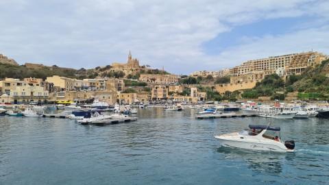 De bevolking, de taal, religie en de politiek van Malta.