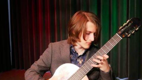 Muzikaal Flevolands talent Dylan Prentner wint beurs Han Lammers Fonds