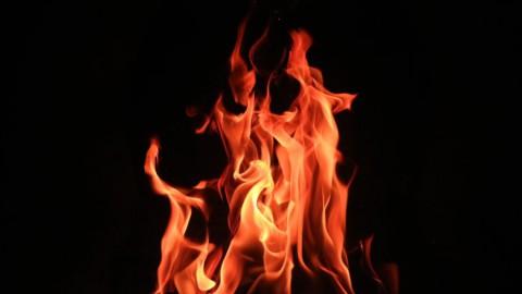 Een garnalenkotter van Jan Foppen uit Harderwijk is zaterdagochtend uitgebrand.